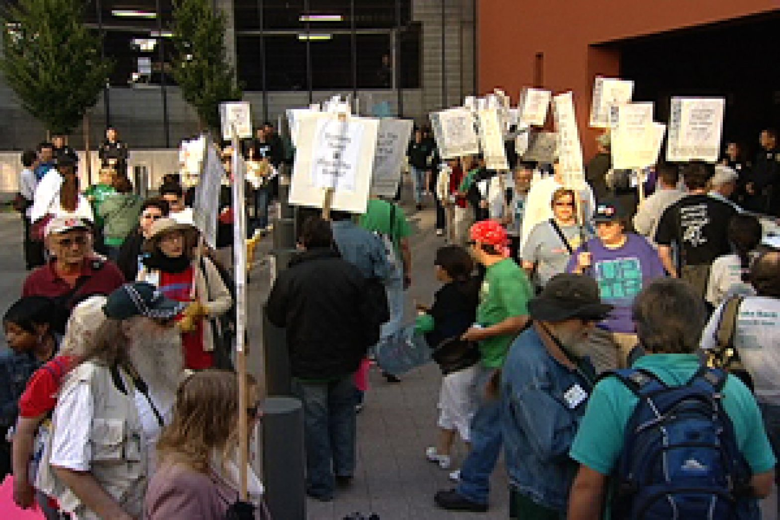 Staff protest outside regents' meeting at UCSF Mission Bay campus. Photo by Christi Morales/The Public Press