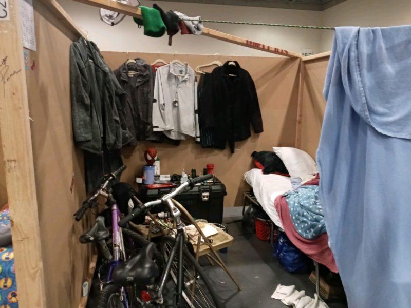 Delonzo Gallon's cubicle